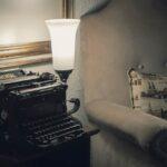 .نویسندگی عشق رمانتیک است یا ازدواج سنتی؟