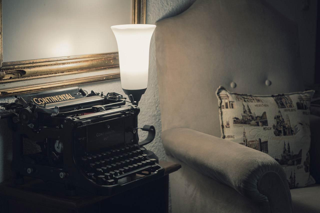 نویسندگی عشق رمانتیک است یا ازدواج سنتی؟